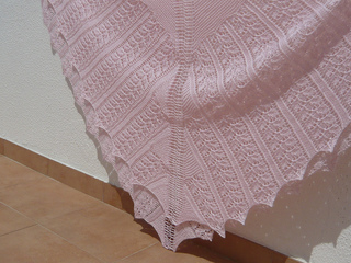 78c49e0e9 Ravelry  Rose Leaf in Four Triangles pattern by Patons Australia