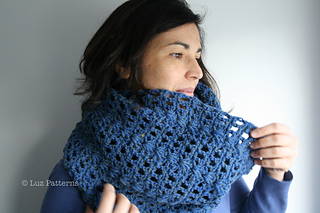 Navy_blue_cowl__123__4_small2