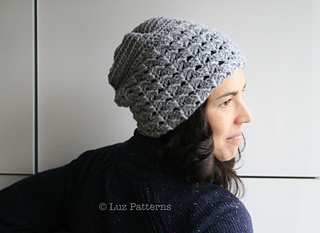 Grey_slouchy_beanie_01_small2