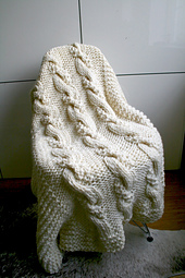 White_cable_blanket_22_-_1__4__small_best_fit