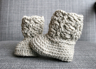 Cable_baby_booties_-_1_small2