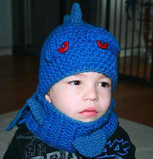 Blue_dragon_1_ravelry_small2
