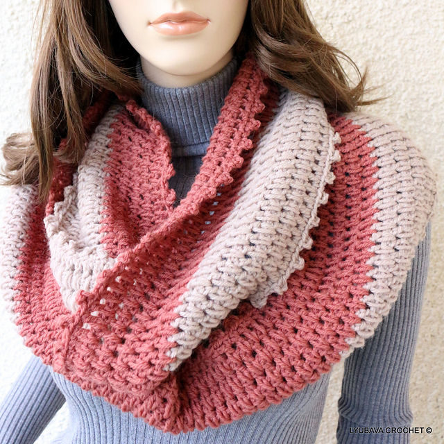 Ravelry Circle Crochet Scarf Two Colors Pattern By Lyubava Crochet Fascinating Crochet Infinity Scarf Pattern In The Round