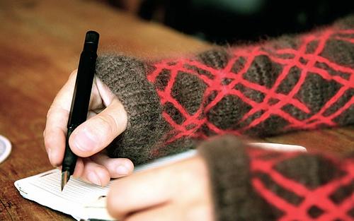 Sleeves_and_pen_grabbed_medium