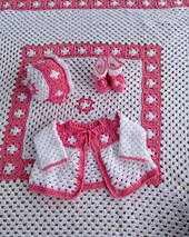 0-pb212-granny-square-layette_small_best_fit