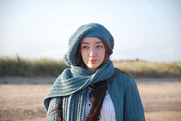 Grace_s_tam_and_scarf_3_small_best_fit