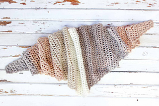 Caron-cakes-crochet-pattern-free-triangle-scarf-13_small2