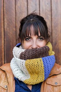 Simple-cowl-caron-cakes-yarn-free-crochet-pattern-5_small2