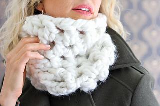 Chunky-cowl-free-crochet-pattern-4_small2
