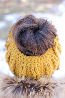 Cabled-crochet-bun-beanie-free-pattern-7_small2