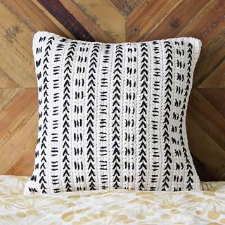 Crochet-mud-cloth-pillow-sq-9_small2