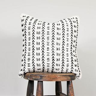 Crochet-mud-cloth-pillow-sq-6_small2