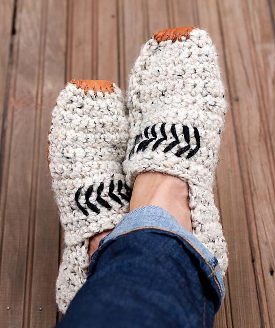 Ravelry Saturday Slippers Pattern By Jess Coppom