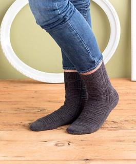 Op-art_socks_-_bora_beauty_shot_small2