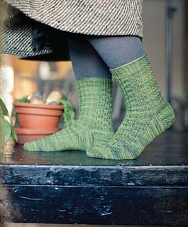 Knitting_wizardry_-_gardener_s_socks_beauty_shot_small2