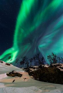 Night-sky-contest-2013-twan-mountain-aurora_67416_600x450_small2