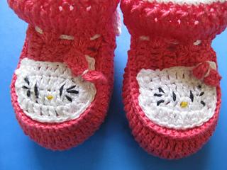 Sapatinho_de_croche_hello_kitty_small2