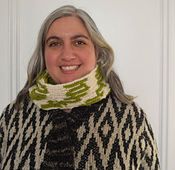 Mariuccia_reversible_infinity_scarf_free_crochet_pattern_by_underground_crafter__2_of_5__small_best_fit