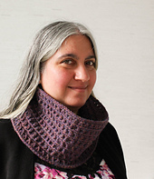 Mock_bobble_cowl_free_crochet_pattern_by_underground_crafter_holidaystashdowncal2016_3_small_best_fit