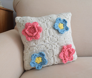 Free Crochet Patterns For Small Pillows : Ravelry: Picking Flowers Pillow pattern by Marie Segares