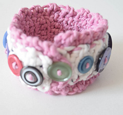 Layered_button_cuff_free_crochet_pattern_by_underground_crafter_9_small