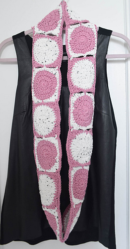 Little_dots_big_dots_infinity_scarf_free_crochet_pattern_by_underground_crafter_5_medium