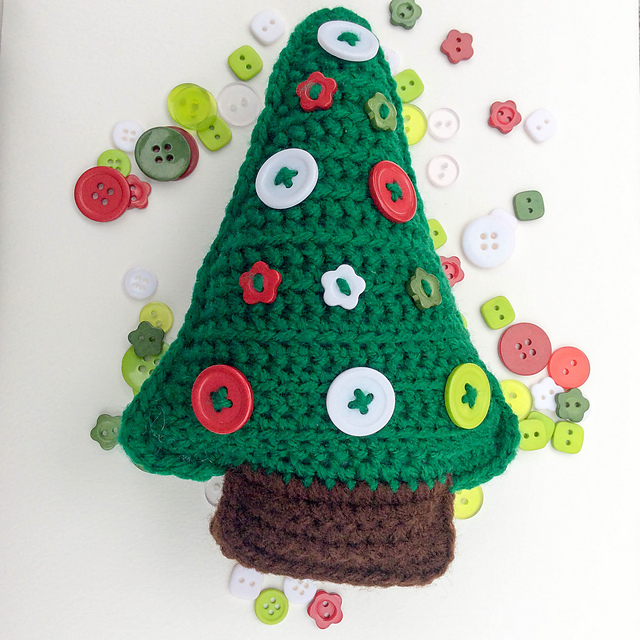 patterns > @ucrafter on Instagram and 1 more... > Button Christmas Tree