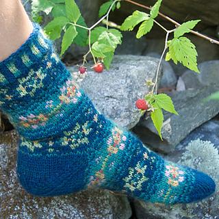 Evening_rose_socks_2_small2