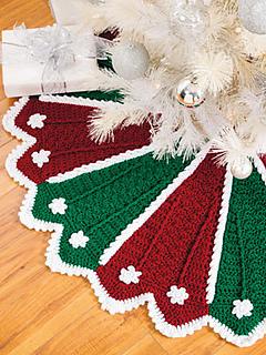 Ravelry Festive Tree Skirt Amp Stocking Pattern By Anna