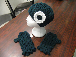 Hat_and_fingerless_gloves_set_bfs_forest_green_small2