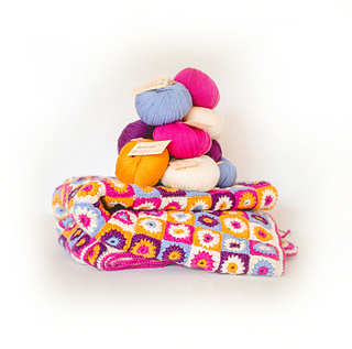 Happy_blanket_with_merino_wool_small2