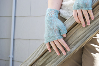 Gladwyne_mitts_3_small2