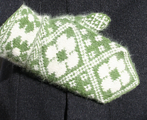 Spring_dreams_mitten_small_best_fit