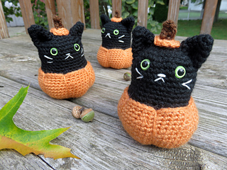 Pumpkin_kitty_2_small2