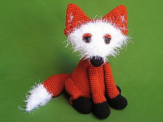 Ravelry: Freya the Fox Snuggler pattern by Alexa Templeton | 240x320