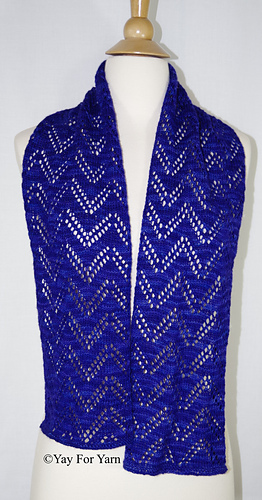 This_knitted_lace_scarf_is_lightweight__yet_warm
