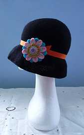Cloche_orange_small_best_fit