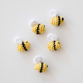 Small-bee-crochet-pattern-_-mollie-makes-_-final-group_small2