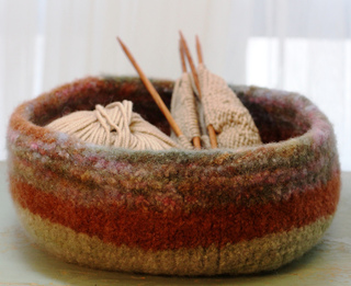 Large_bowl_from_side_view_small2
