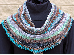 Perfectly_picot_shawlette_small