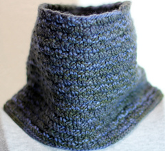 Sweedish_bw_cowl_worsted_tall_small