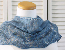 Knitting_pattern_shawl_something_blue_small_best_fit