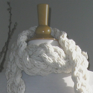 Rapunzel_scarf_square_thumbnail_for_free_patterns_page_small2