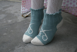 Scissor_socks_4_small_best_fit