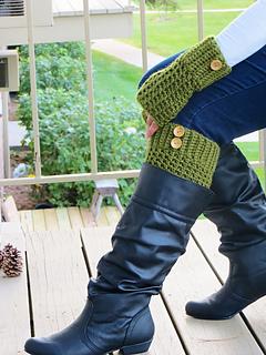 Boot_cuffs_and_mittens_free_crochet_pattern_small2