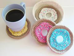 Crochet_doughnut_coasters_pattern_small