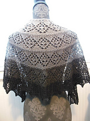 Cascade_and_palette_shawls_2015_044_small