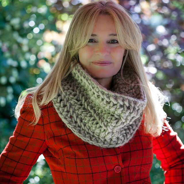 Ravelry: Chunky Lace Infinity Scarf pattern by Nicole F. Cox