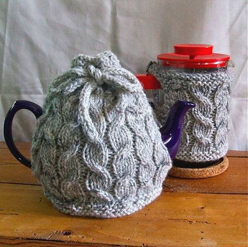 Ravelry Cabled Cafetire Tea Cosy Pattern By Ruth Churchman