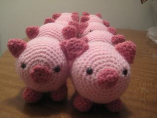 Amigurumi Pig : Ravelry amigurumi pig pattern by lion brand yarn